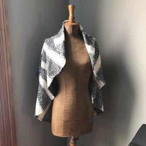 Cozy sweater shawl poncho Express small